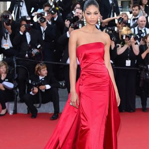 Supermodel chaneliman dazzles in DonnaKaranAtelier on todays red carpet athellip